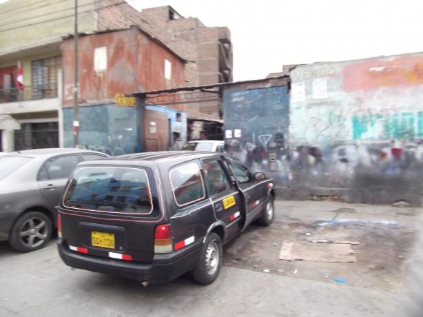 Peru Volunteer Jason Mar Car
