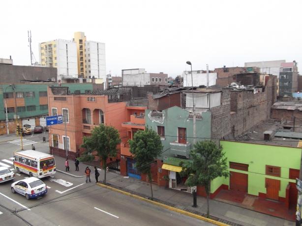 Peru Volunteer Jason Mar Street