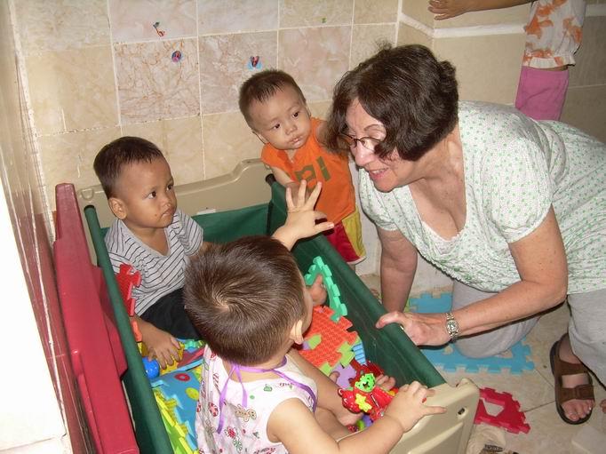 Harriet Volunteer Teaching in Vietnam