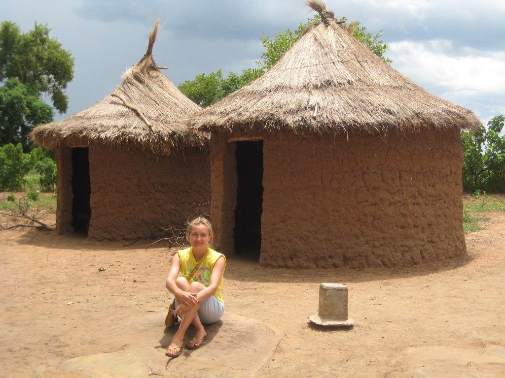 Ghana Volunteering Alexandra at Hut