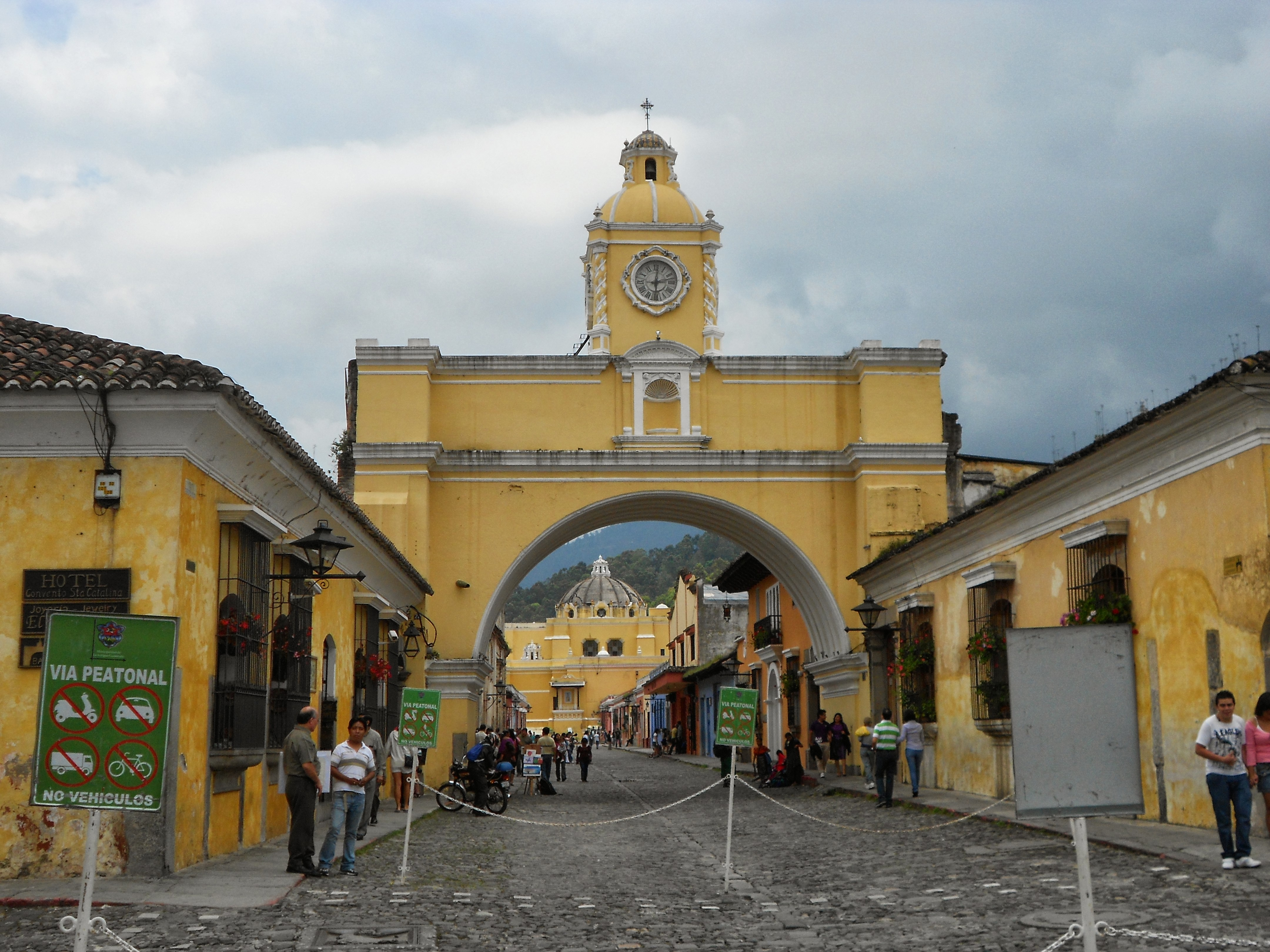 Guatemala Santa Catalina Arch