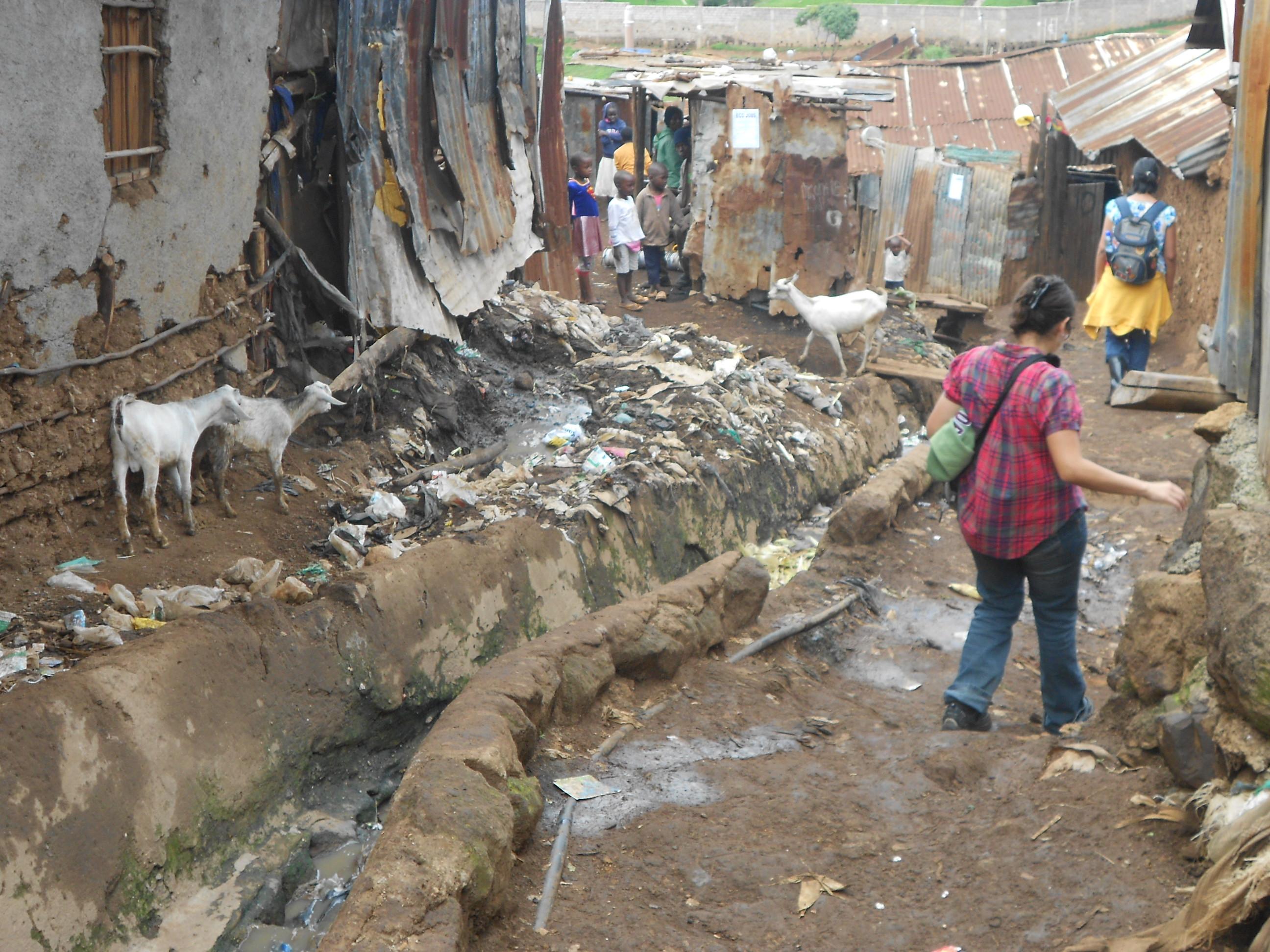 Kibera Nairobi Volunteer Walking