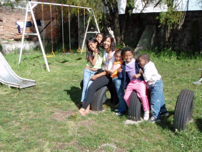 Kristina Cooke Ecuador Volunteer Smiles