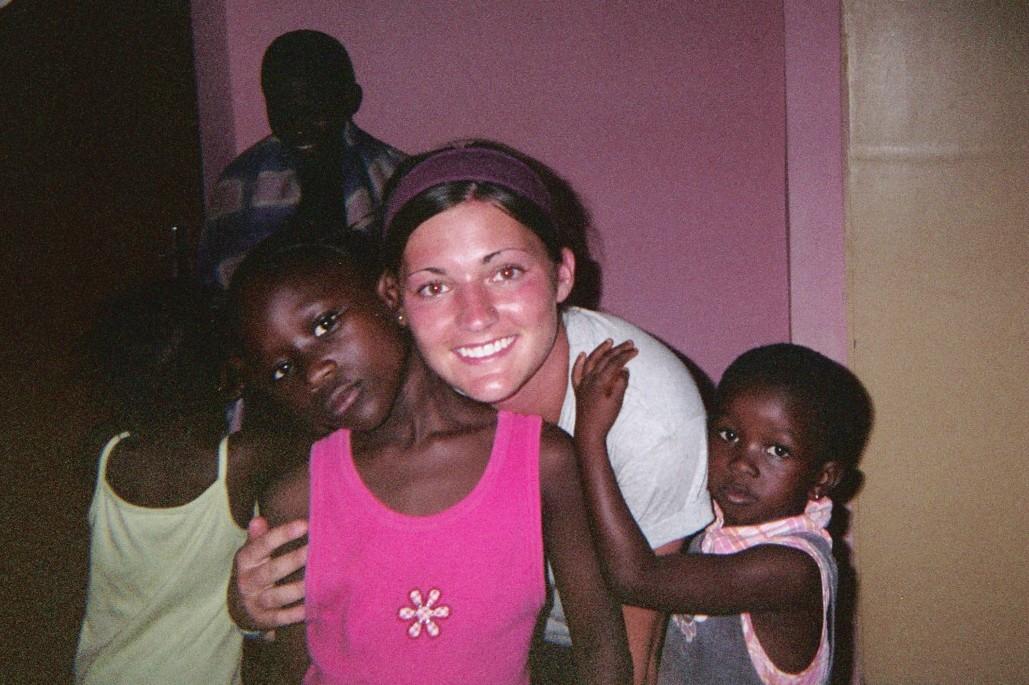 Lindsey Elliott Ghana Volunteer Family