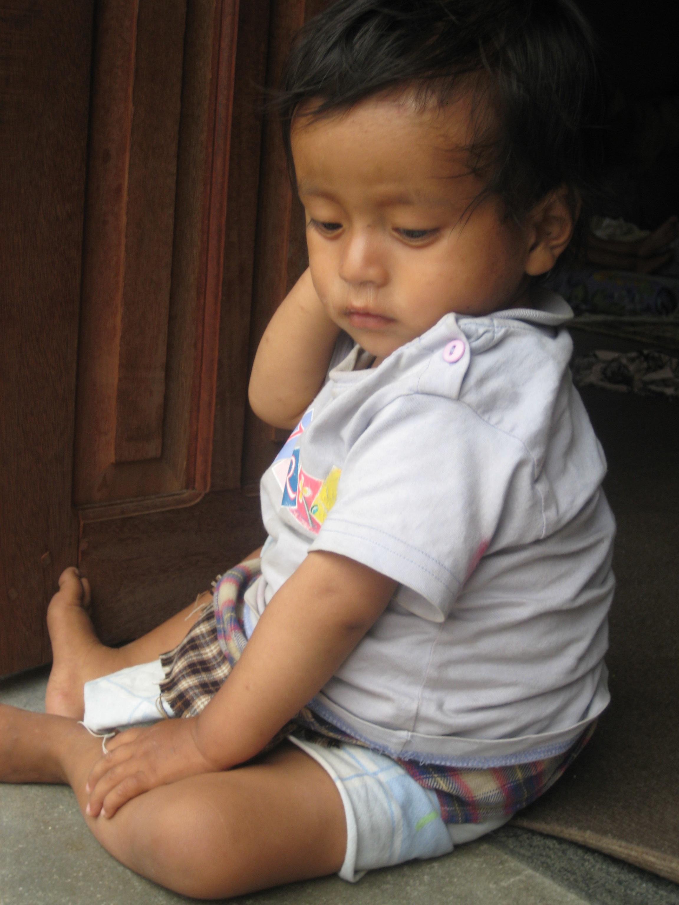 Nepal Teachers Rachel and Britanny Preschool Child