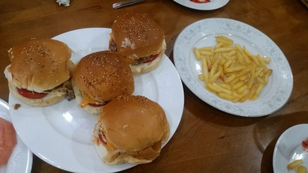 Volunteer House Da Nang Burgers